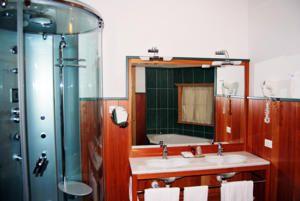 Hotel Casa del Campo bagno con doccia multifunzione