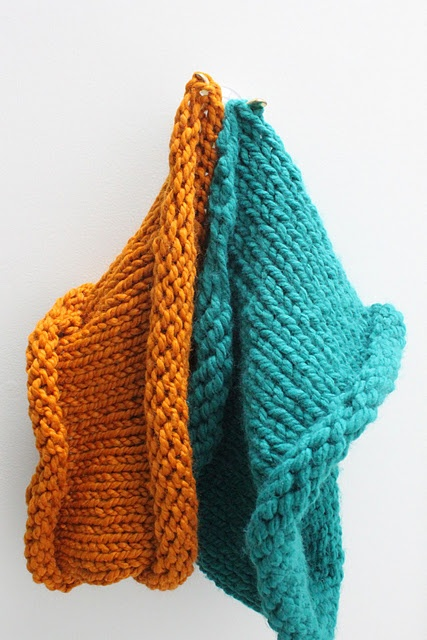 Knit Cowl of the Chunky Variety {A Tutorial}: Knit Crochet, Chunky Variety, Tutorial, Knit Cowl, Smashed Peas, Craft Ideas, Cowls, Chunky Knits