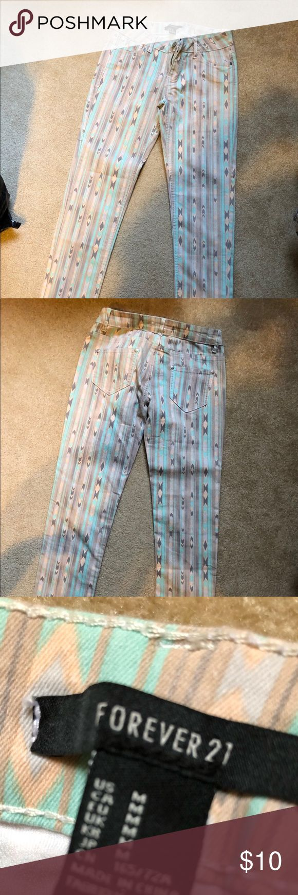 Aztec Pants Never worn. Forever 21 Jeans Skinny