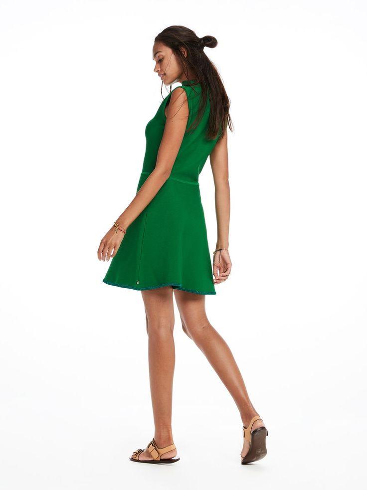 Mouwloze ribgebreide jurk