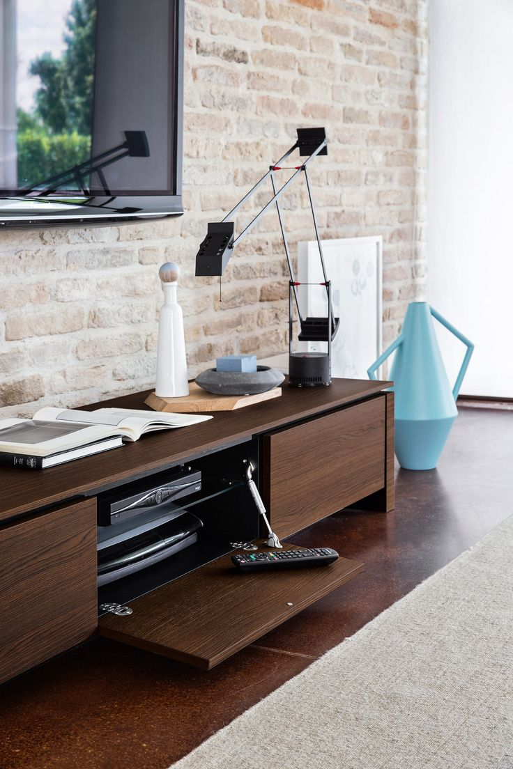 The Mag low TV unit has two