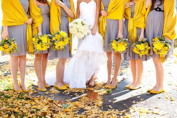 Mariage jaune & gris Chromatique (pic: Petite-christine)