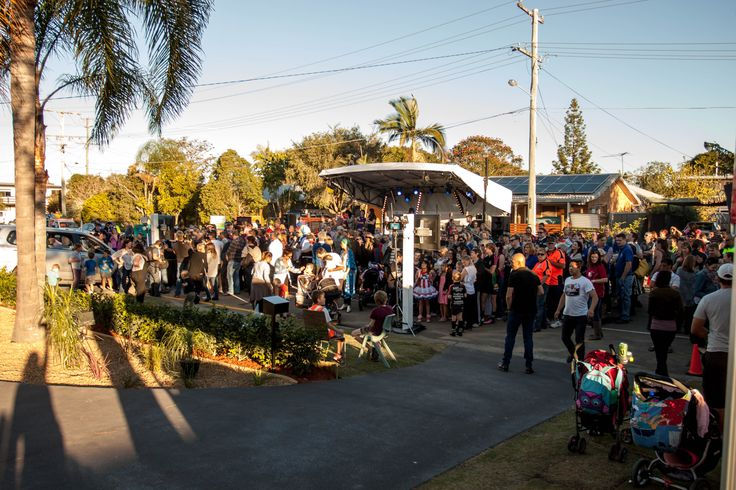 The crowd on reveal day,looking out from the house. Stage set up for Shepherd to play. Beautiful day.