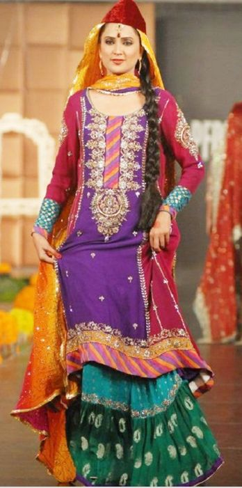 Latest Mehndi dresses designs 2016 you should try #mehndiDresses #mehndiclothes #mehndisuits
