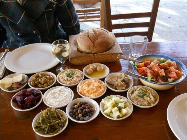 Where will you find the best #CyprusMeze? For a proper #Cypriot #meze in a traditional taverna, we recommend the popular #7StGeorgesTavern in #Paphos. Lovingly prepared food, genial hosts, each dish explained. This is definitely not fast-food.  Skip lunch... take your time ... and enjoy! A visit promises to be memorable for much more than just the meal.  And don't be afraid to ask for a doggy bag if you can't manage it all! Photo: www.facebook.com/HeartCyprus. Post: Nikki at…
