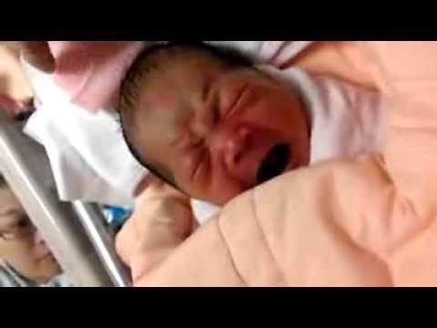 3 hrs old chinese baby (World's cutest Baby)
