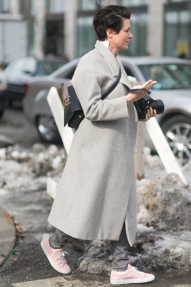Garance Dore street style - grey oversized coat and pink sneakers.