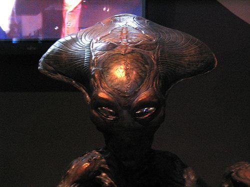 Google Image Result for http://pott3rwatch.com/Independence-Day-1996-Film-Still-Alien.jpg