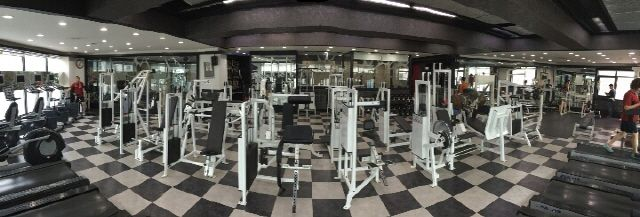 M Fitness Gym (M휘트니스), the weight lifting machines
