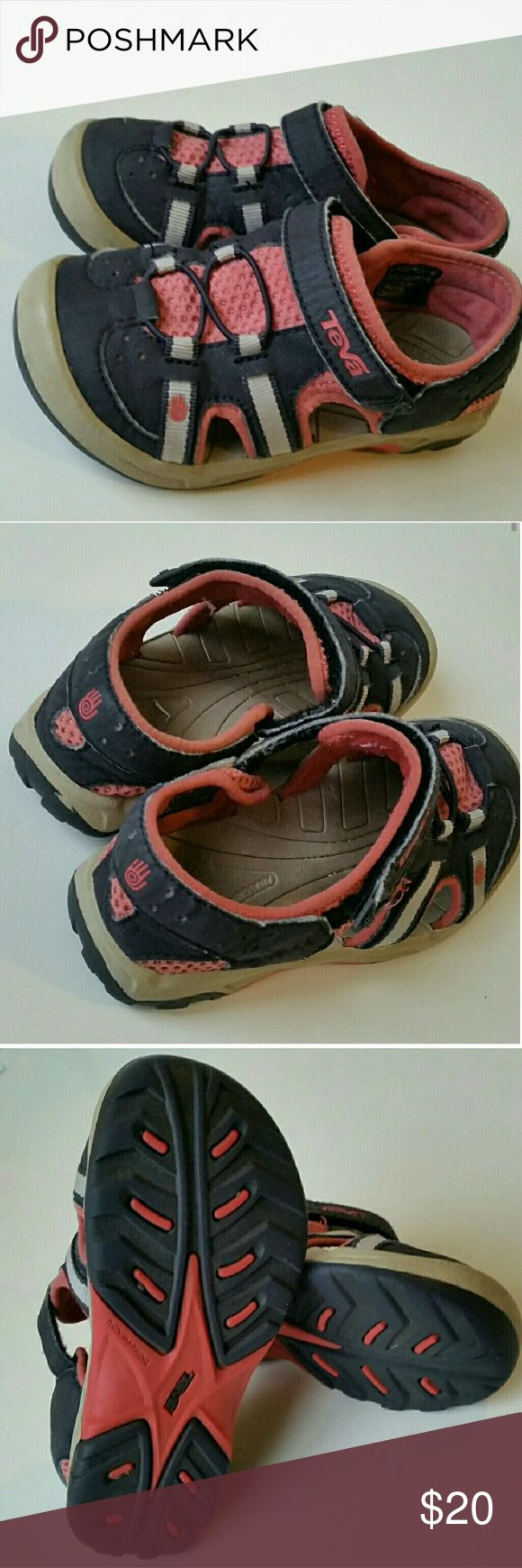 TEVA Toddler Sneaker Sandals Excellent condition. Waterproof and washable. Velcro closure. Teva Shoes