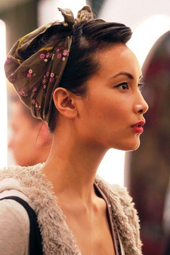 Como usar lenço:deixe a parte frontal do cabelo à mostra e arremate com um laço no topo