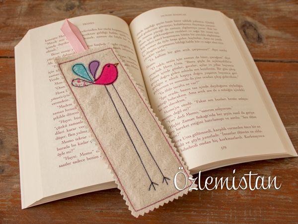 Uzun bacaklı sevimli bir kuş kitap ayracımıza kondu...