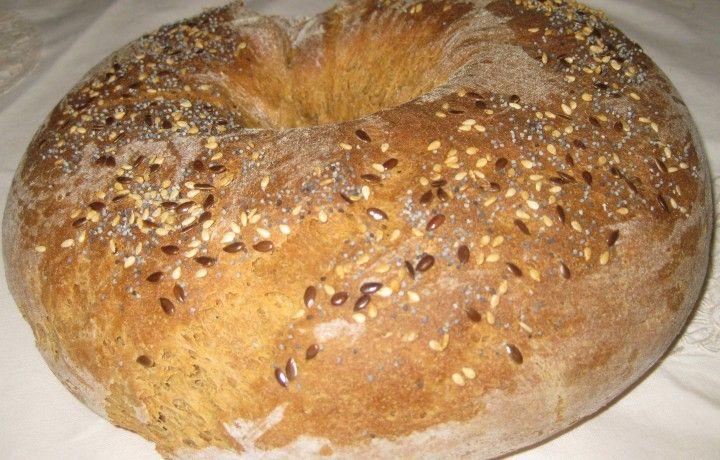Ciambella alla segale e semi di chia