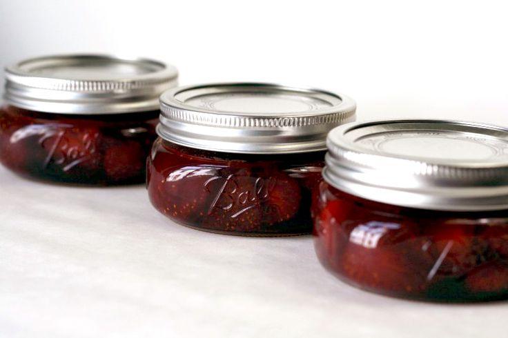 Very Berry Roundup - Strawberry Balsamic Jam via @laphemmephoodiePickles Strawberries, Gluten Free Recipe, Balsamic Strawberries, Strawberries Preserves, Strawberries Jam, Berries Roundup, Strawberries Seasons, Balsamic Jam, Strawberries Balsamic