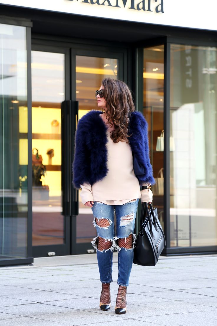 outfit-feather-bolero-celine-luggage-bag