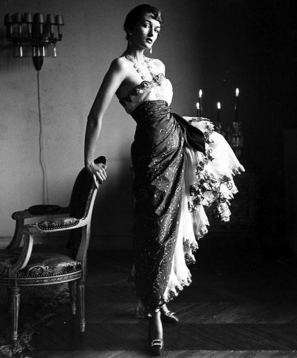 Countess Maxine de la Falaise, Paris, 1950. Photo by Gordon Parks