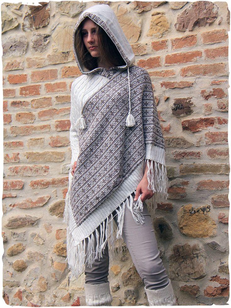 poncho lana Zelda Splendido #poncho in #lanaalpaca con #cappuccio. #poncholana #modaetnica #ethnicalfashion #alpacaswhool #lanadialpaca #peruvianfashion #peru #lamamita #moda #fashion #italianfashion #style #italianstyle #modaitaliana #lamamitafashion #moda2016 #fashion2016 #fashion2017 #winter #winterfashion #fallwinter #fallwintercollection #fashionblog #fashionblogger #peru #peruvianstyle
