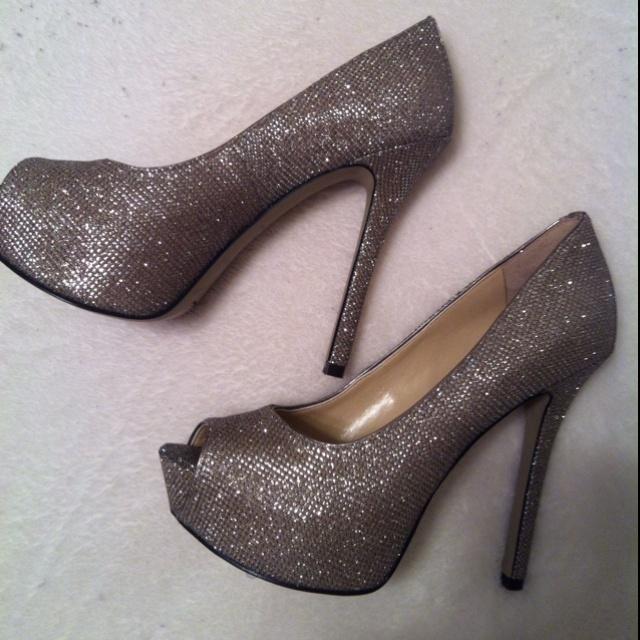 My new grad shoes :) WVU