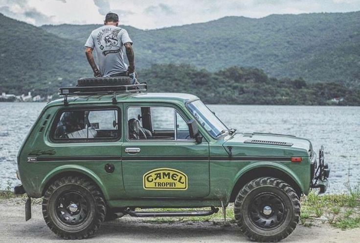 Lada Niva - simple off-roader with real 4x4