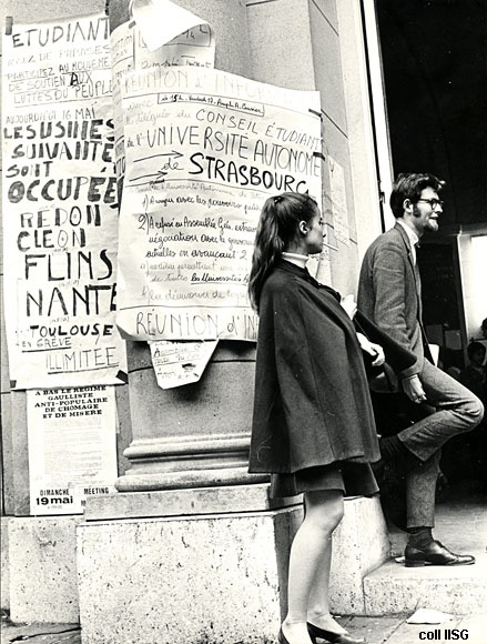 Paris mai 1968. Looks slightly like Dr Who in the D.Tennant incarnation, is there...
