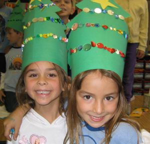 *****Tannenbaum (decorated Christmas tree) hats - cute!