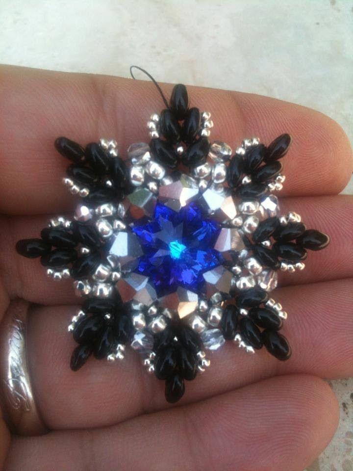 "DIY tutorial ciondolo twin beads - superduo "" twinnlino"" - pendent, via YouTube."