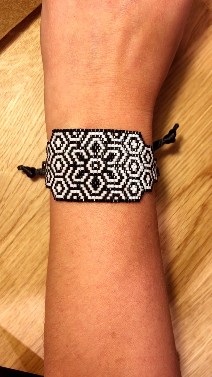 Peyote stitch pattern-Digital Download for this bracelet is available at SplendidBeads's Etsy Shop