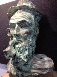"""""""Il fumatore di pipa"""", scultura in terracotta patinata. By Giovanni Massariello"""