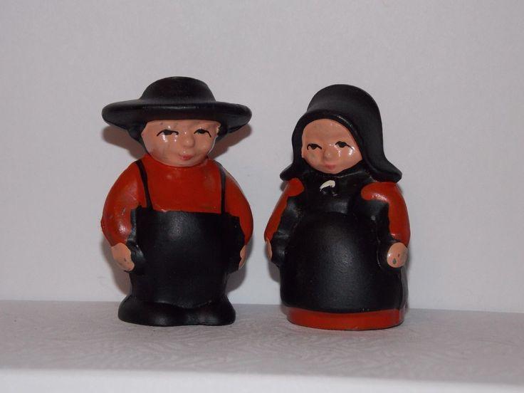 Vintage Cast Iron Amish Man & Woman Salt & Pepper Shakers
