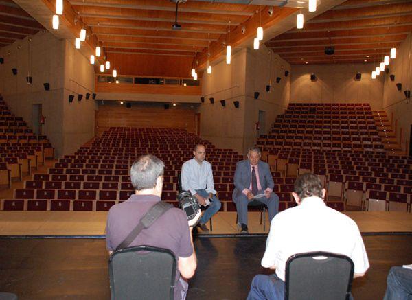 El Auditorio Municipal 'Villa de Colmenar Viejo' estrenará el 21 de septiembre su Temporada de Otoño 2013 con casi 30 espectáculos, nuevo escenario y proyector de cine y mejor equipamiento técnico http://www.colmenarviejo.com/174-general/0913/959-el-auditorio-municipal-villa-de-colmenar-viejo-estrenara-el-21-de-septiembre-su-temporada-de-otono-2013-con-casi-30-espectaculos-nuevo-escenario-y-proyector-de-cine-y-mejor-equipamiento-tecnico