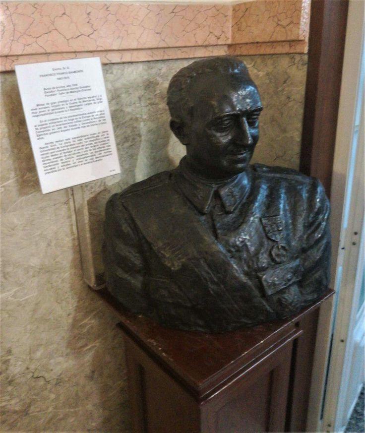 """El Museo Militar de A Coruña se refiere a Franco como un """"militar de gran prestigio"""""""