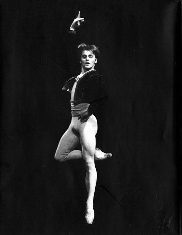 Mikhail Baryshnikov,: Mikhail Baryshnikov, Dance Dance, Black And White, Art, Beautiful, Male Ballet Dancers, Male Dancers, Amazing Dancers, People