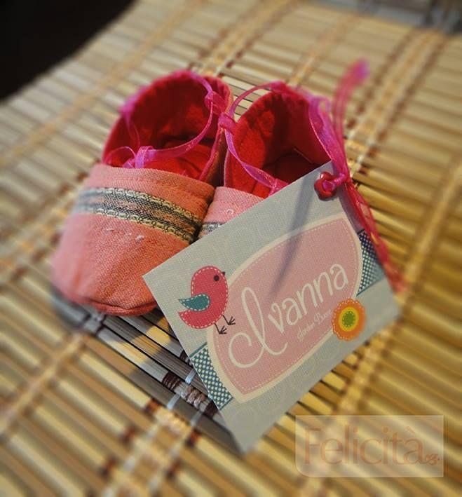 Felicità zapatitos para bebe personalizados. Un buen regalo!!