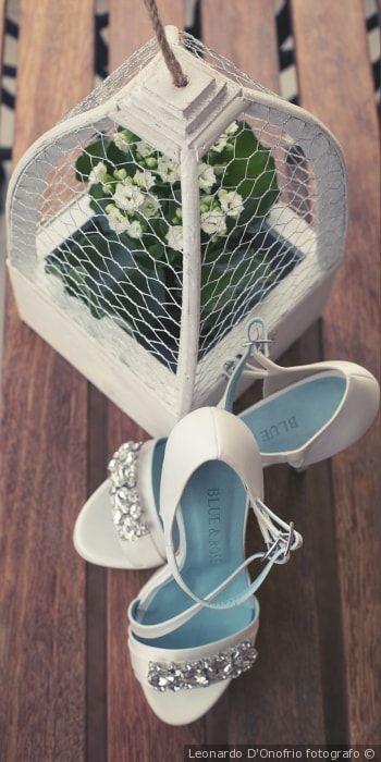 Scarpe da sposa bianche, modello gioiello con tacco a spillo e a braccialetto