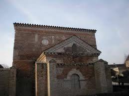 11- façade baptistère de poitiers