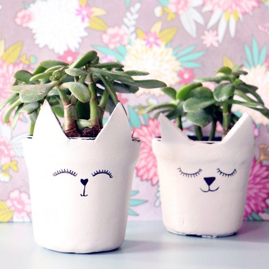Turn an plastic pot into an ADORABLE clay act pot with air drying clay!