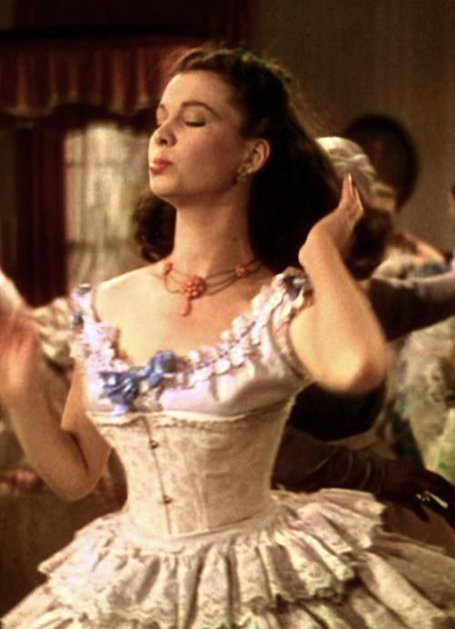 499 best gone with the wind images on pinterest for Who played scarlett o hara in gone with the wind