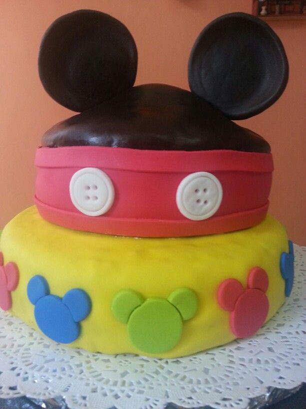 Mickey Mouse cake de naranja relleno de manjar