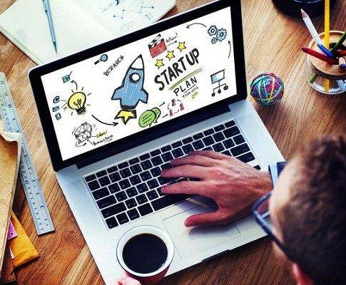 How Should a Beginner Start an Online Business?