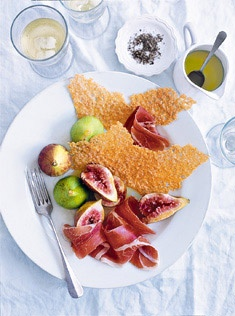 fresh figs with prosciutto and parmesan crisps