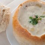 New England clam chowder, het recept voor een heerlijke zeevruchten soep.