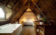 looks so cozy. lloyd hotel, amsterdam.