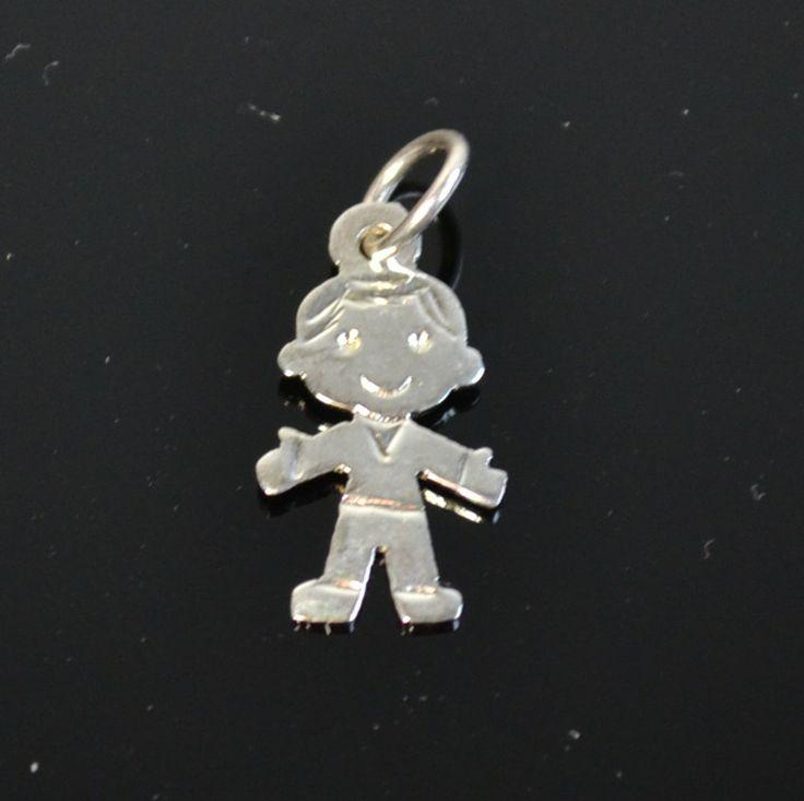 Leuke Bedel van een jongetje 11,95€ Gratis verzending in NL http://www.dczilverjuwelier.nl/zilveren-bedels-hangers