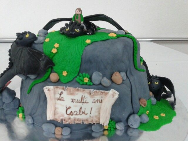 Cake dragons