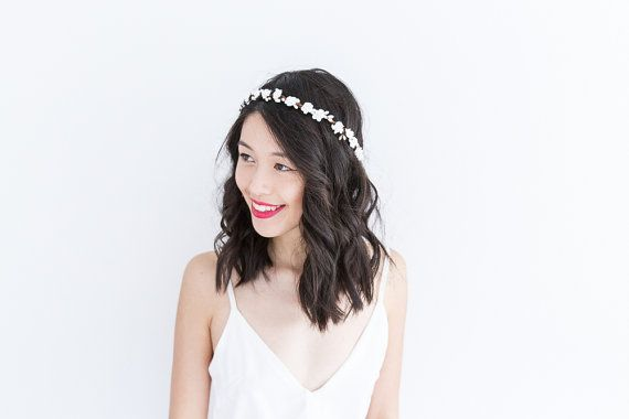 rustic white rose and berry flower hair wreath // by kisforkani