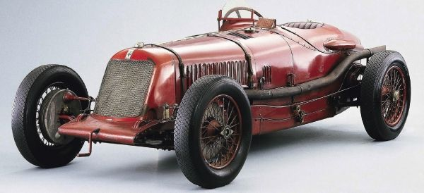 Rise of the trident - Maserati Tipo 26