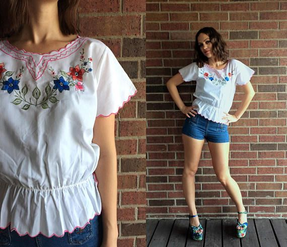 vintage 70s white MEXICAN scalloped trim EMBROIDERED BLOUSE