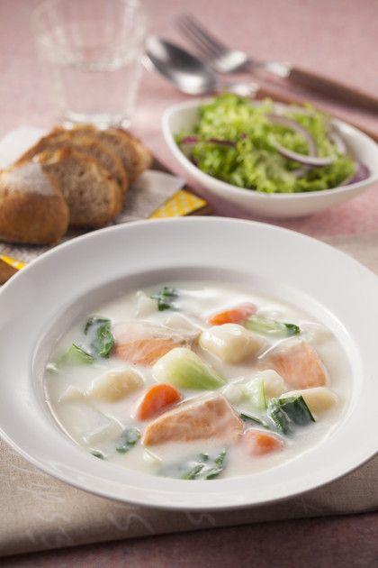 秋鮭とチンゲン菜のクリームシチュー by ハウス食品株式会社 [クックパッド] 簡単おいしいみんなのレシピが223万品