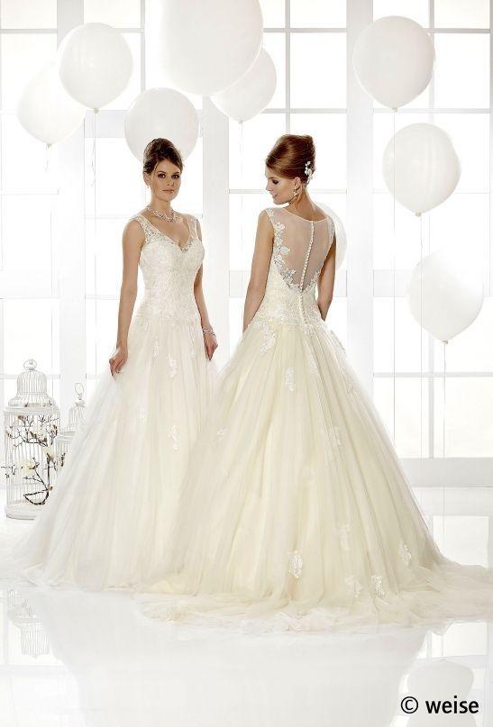Brautkleid Mit Tull Und Spitze Frisuren Pinterest