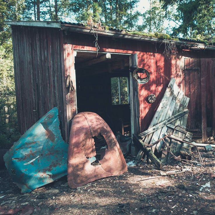 Bilkyrkogården is a famous Lost Place in Sweden. Is a Graveyard of a lot of old cars in the woods.  #Sweden #Schweden #abandonedsweden  #abandoned  #cars #travel #mystery
